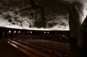 raron_felsenkirche_innen_10-2016_08152m